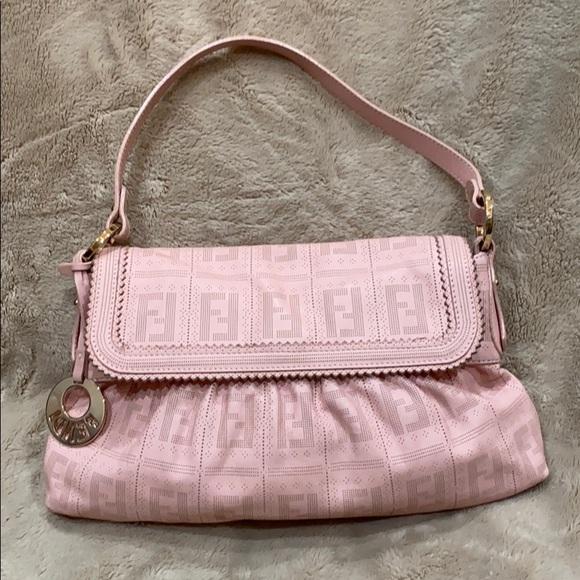 Fendi Handbags - FENDI 👛 Bag